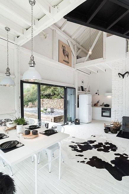 Scandinavische woonboerderij van OOOOX architecten