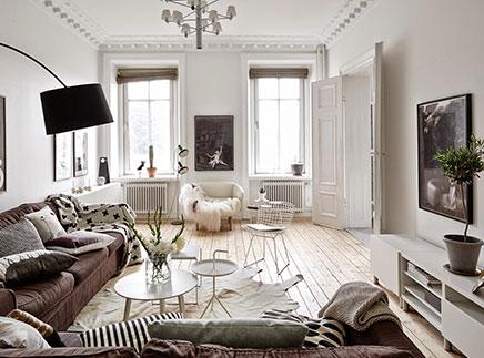 Scandinavische woonkamer met authentieke nieuwe details | Inrichting ...
