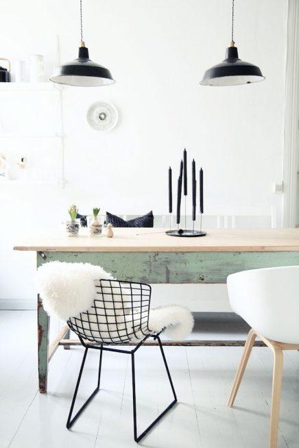 Schapenvacht op stoel inspiratie foto 39 s en webshops - Tafel stockholm huis ter wereld ...