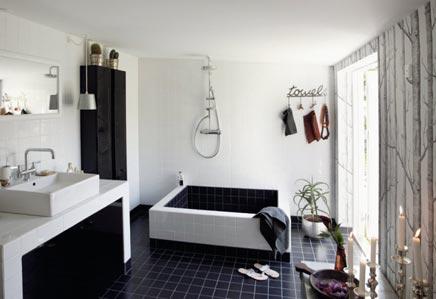 Simpel vormgegeven badkamer van Susanne