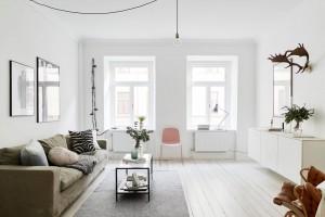 simpele-mooie-styling-verkoop-zweeds-appartement-feautured