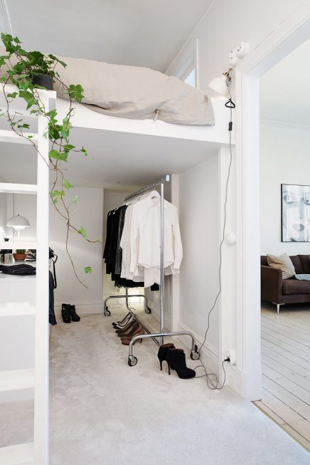 Slaapkamer van 6m2 met inloopkast inrichting - Stapelbed kleine kamer ...