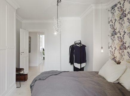 barok behang slaapkamer: slaapkamer grijs wit hout slaapkenner, Deco ideeën