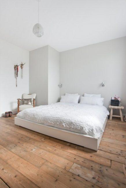 Slaapkamer met oude vloerdelen