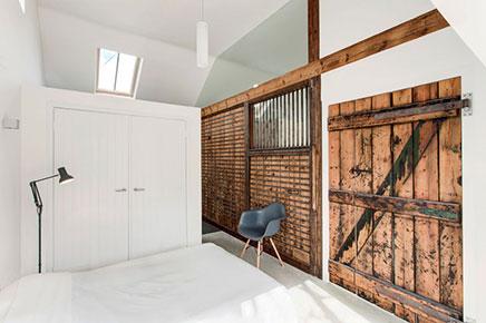 Slaapkamer in voormalige racepaardenstal