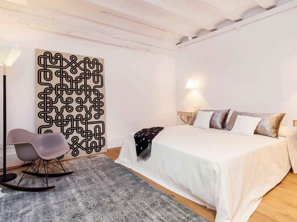 slaapkamer-witte-houten-balken