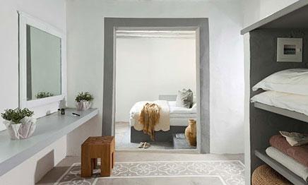 Slaapkamers in griekse stijl van coco mat eco inrichting - Balken grijs geschilderd ...
