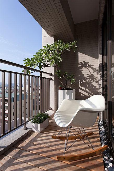 Smal balkon aan de woonkamer