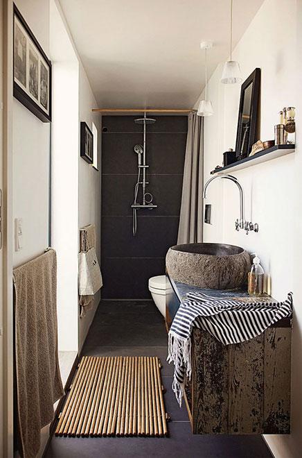 Smalle badkamer met natuurlijke sfeer | Inrichting-huis.com