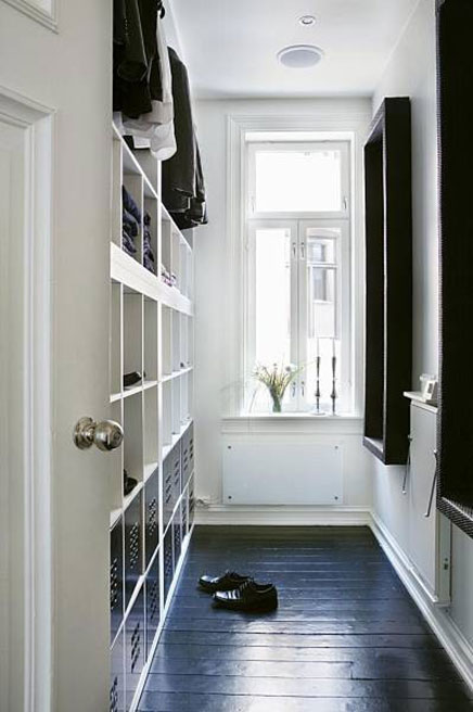 Narrow walk in closet from norway for Ikea expedit closet
