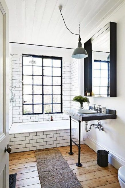Smalle vloerkleed in badkamer