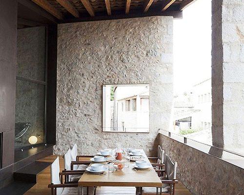 Spaans balkon van middeleeuws herenhuis
