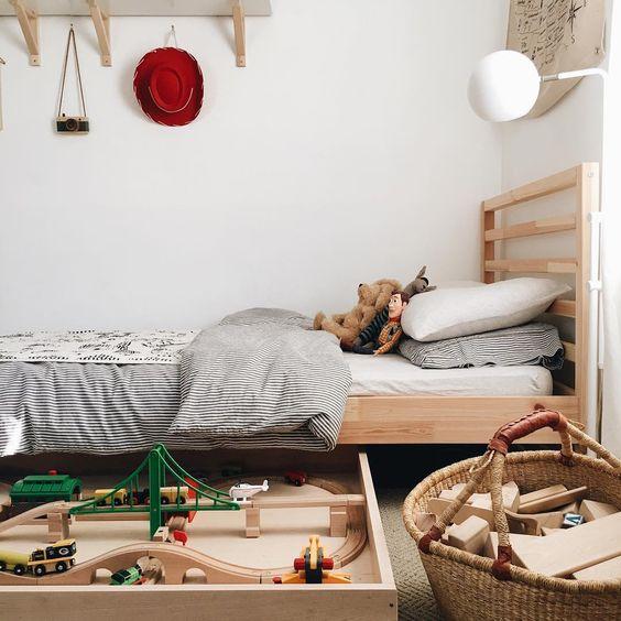 Kasten voor speelgoed op te bergen steigerhouten speelgoed kast interior speelgoed opbergen - Opslag idee lounge ...
