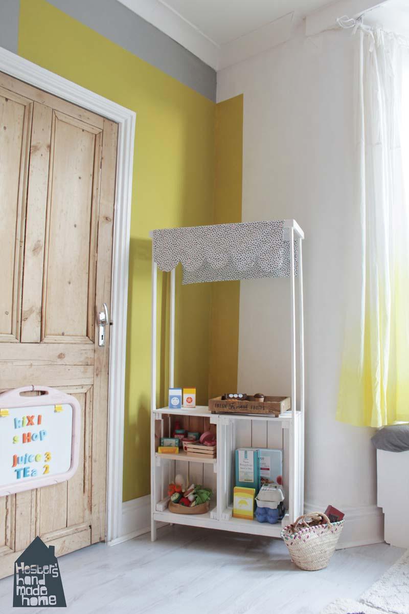 Speelgoedwinkeltje met houten IKEA Knagglig kisten<