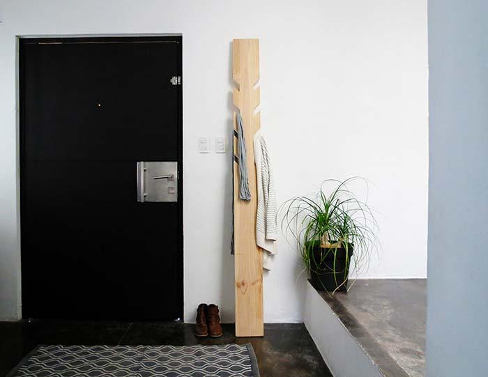Staande houten kapstok