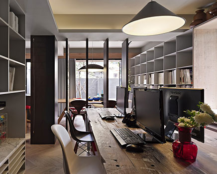 Stijlvolle huis kantoor combinatie in taipei inrichting - Decoration studio moderne ...