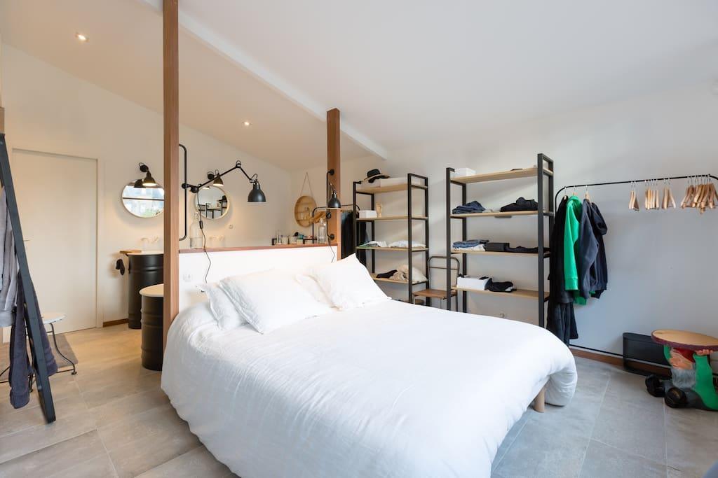 Stoere badkamer en suite van het Starck House | Inrichting-huis.com
