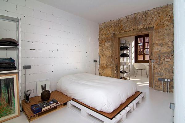 Stoere budget loft slaapkamer  Inrichting-huis.com