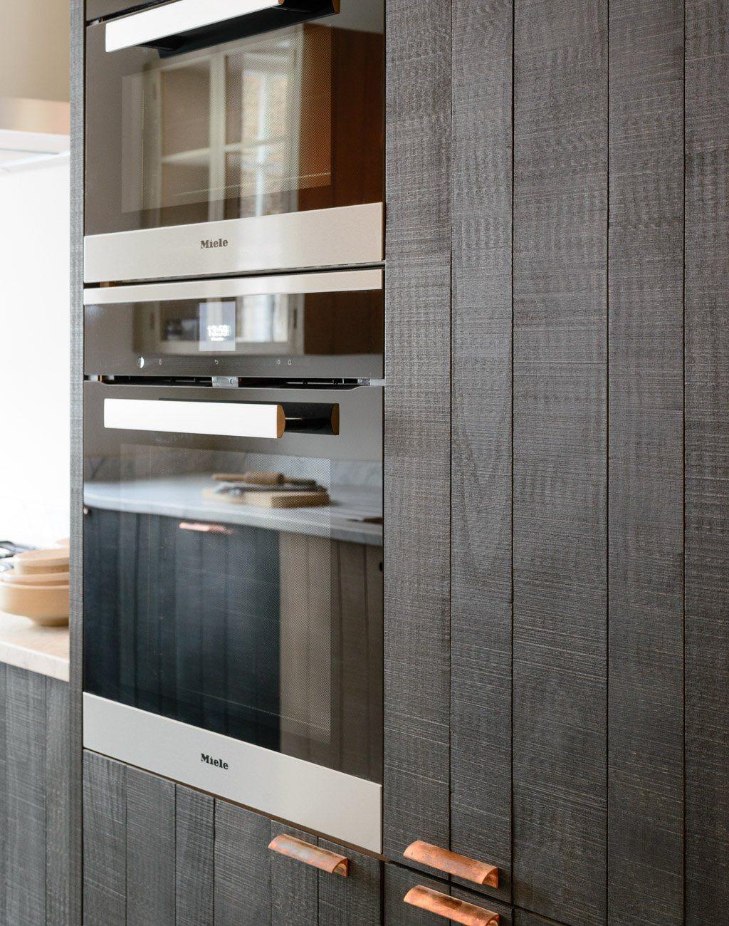 Stoere houten keuken van deVOL