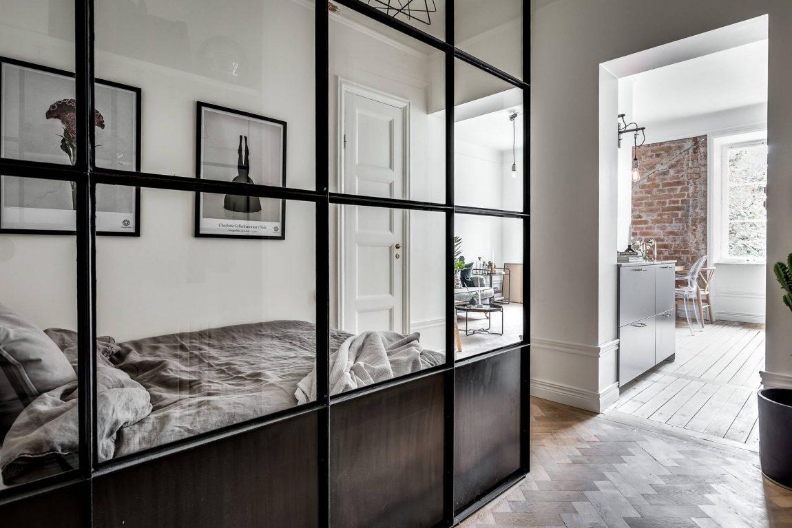Dit stoere kleine appartement is erg praktisch en speels ingedeeld