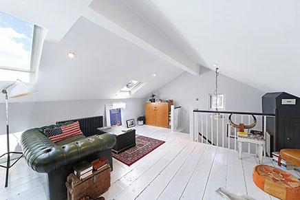 Stoere woonkamer inrichting op zolder | Inrichting-huis.com