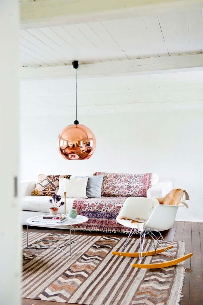 Tom Dixon Copper hanglamp boven salontafel