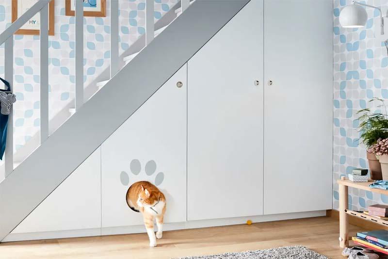trapkast met kattenhuis