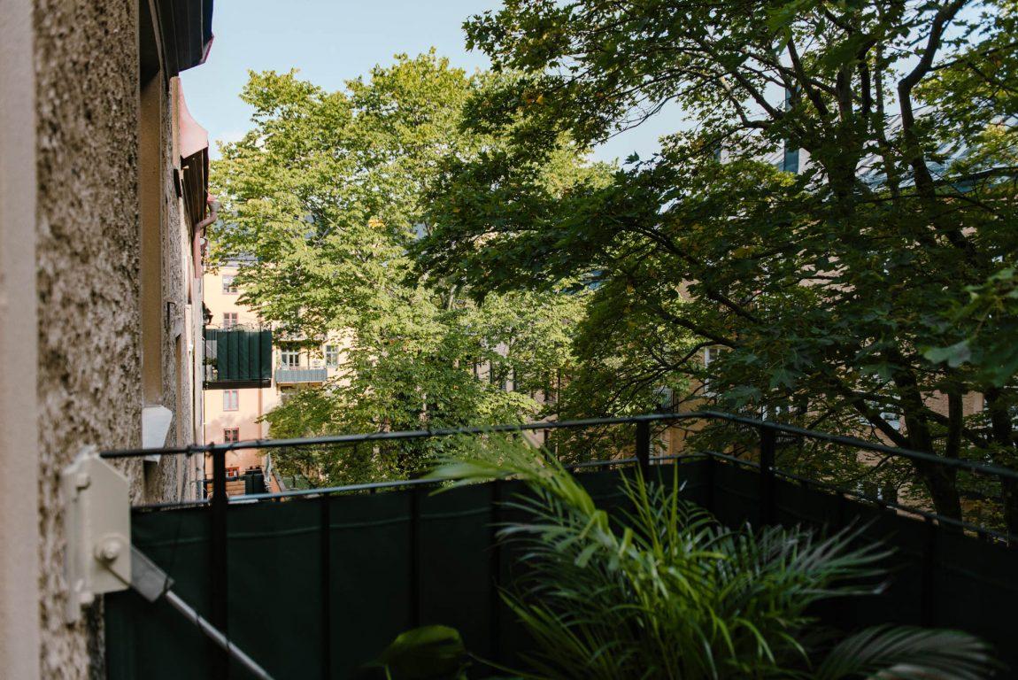 Tropisch balkon met de IKEA Rotan meubelen