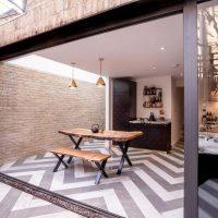De verbouwing en uitbouw van deze mooie Victoriaanse woning heeft in totaal £200.000 gekost