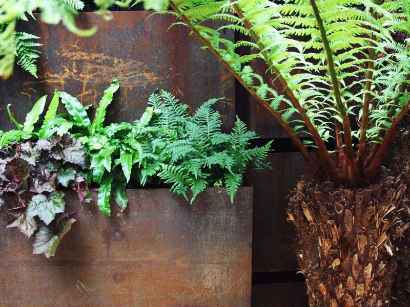 tuin voorbeelden cortenstalen plantenbakken