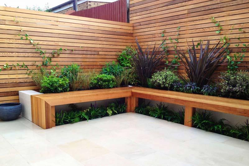 tuin voorbeelden moderne tuin houten bank