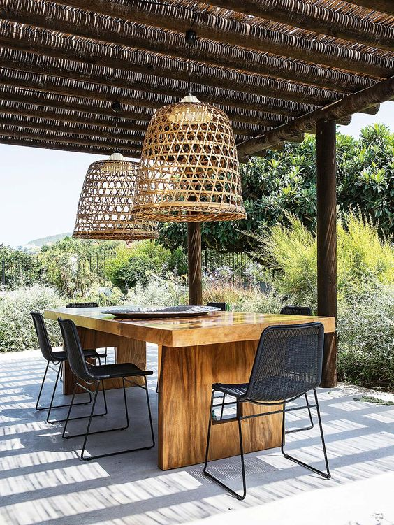 tuinverlichting inspiratie rotan hanglamp