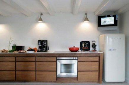 TV in keuken