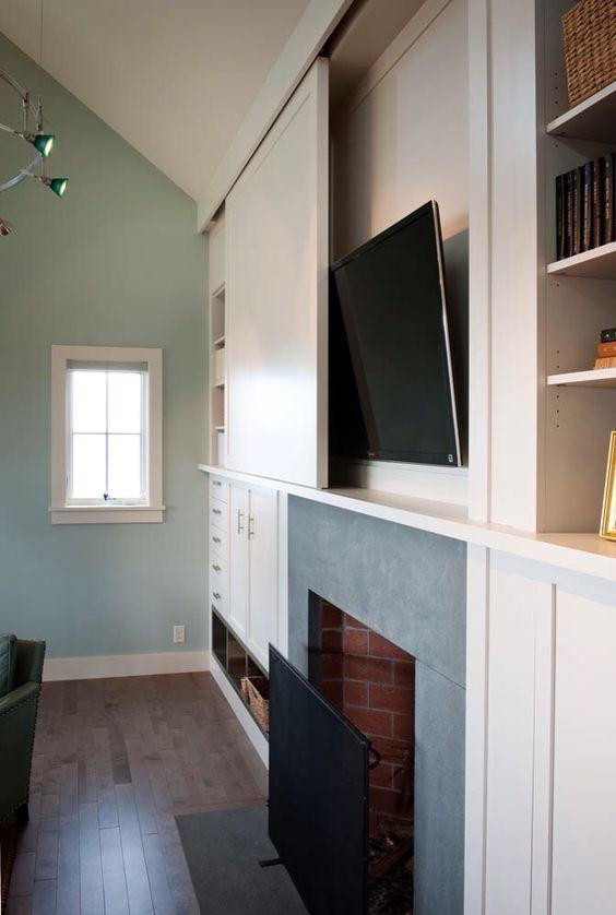 TV verbergen achter kastdeur
