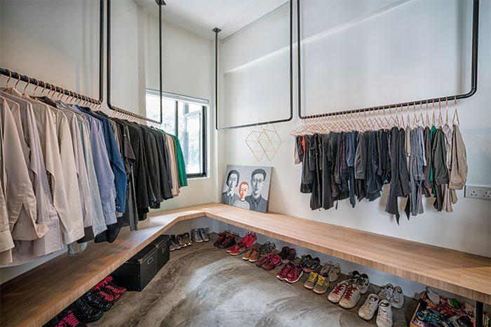 u-vormige-kledingroedes-plafond