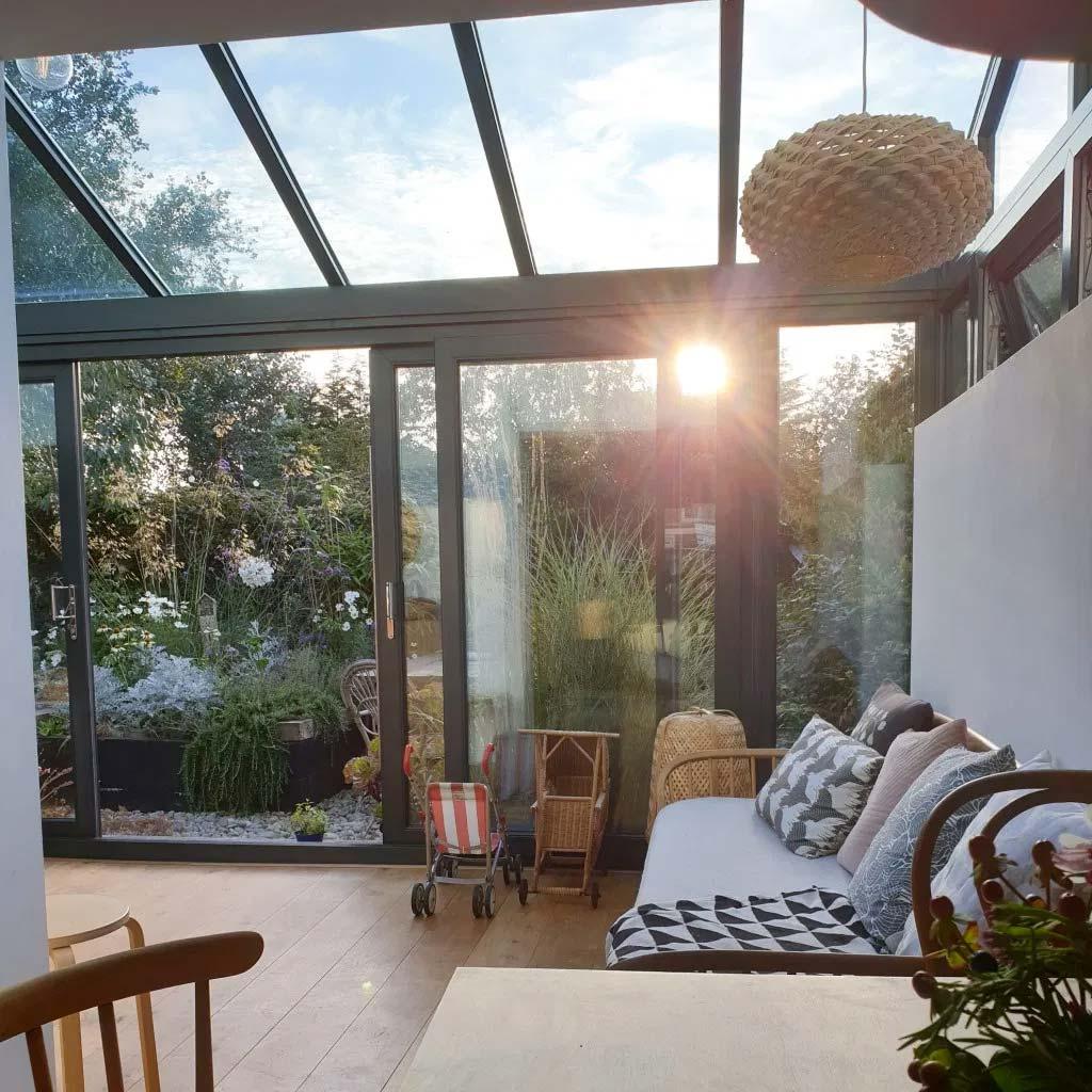 uitbouw glazen tuinoverkapping serre