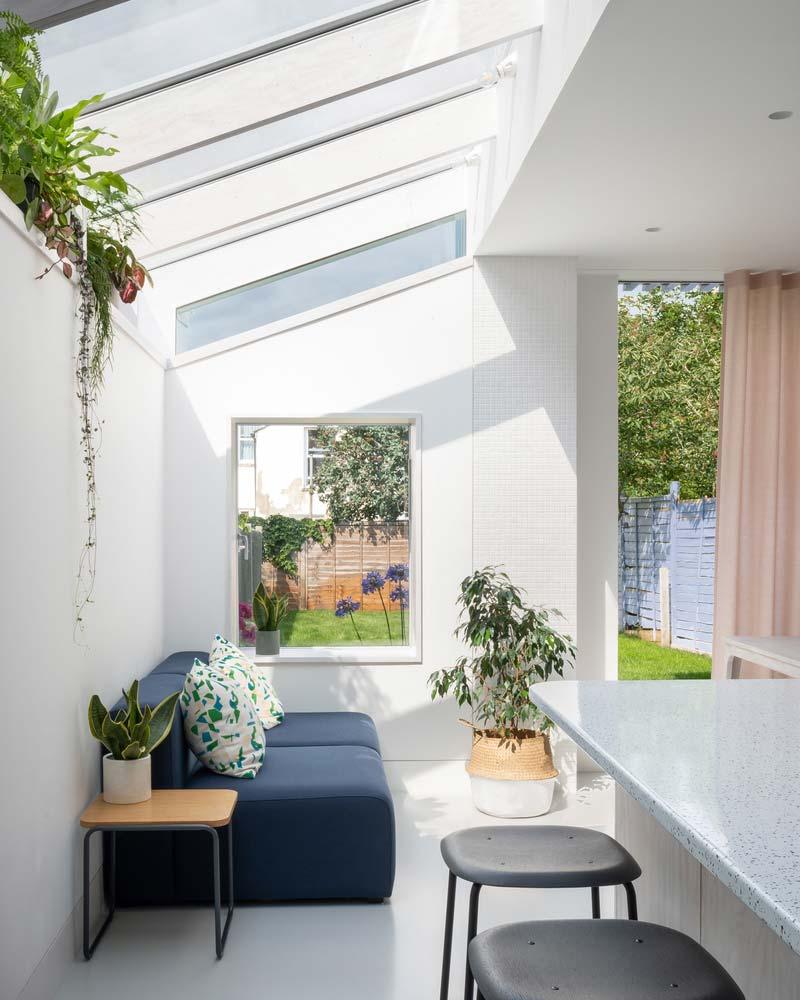 uitbouw grote glazen serre woonkamer