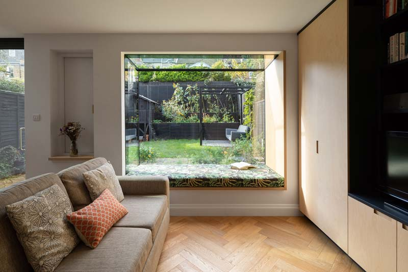 uitbouw strakke moderne erker raam