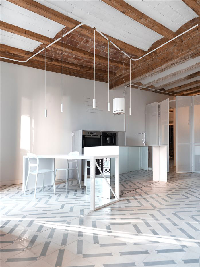Van donker klein appartement van 46m2 tot geweldig mooi loft appartement