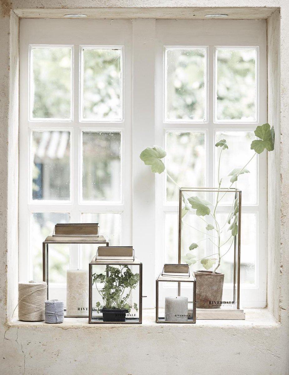 vensterbank decoratie glazen boxen