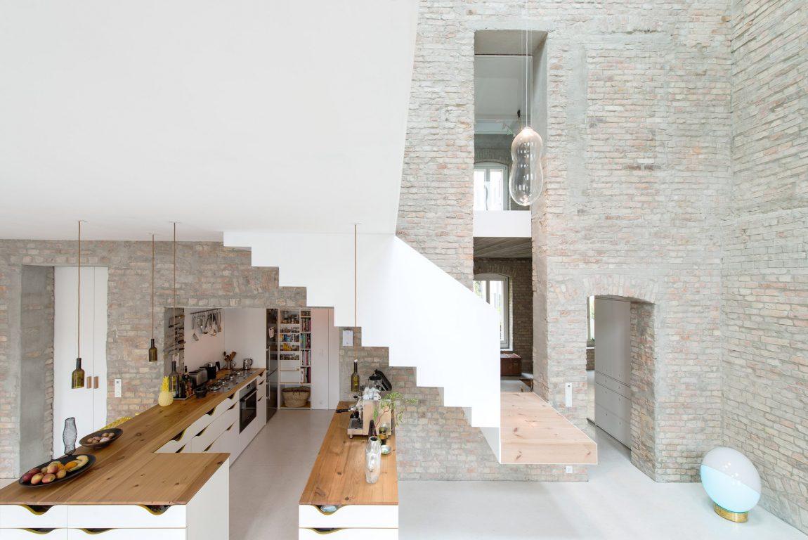 Verwaarloosd molenaarshuis omgetoverd tot geweldig familiehuis