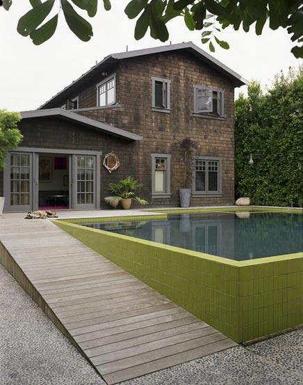 Villa tuin met een enorme zwembad inrichting - Huis design met zwembad ...