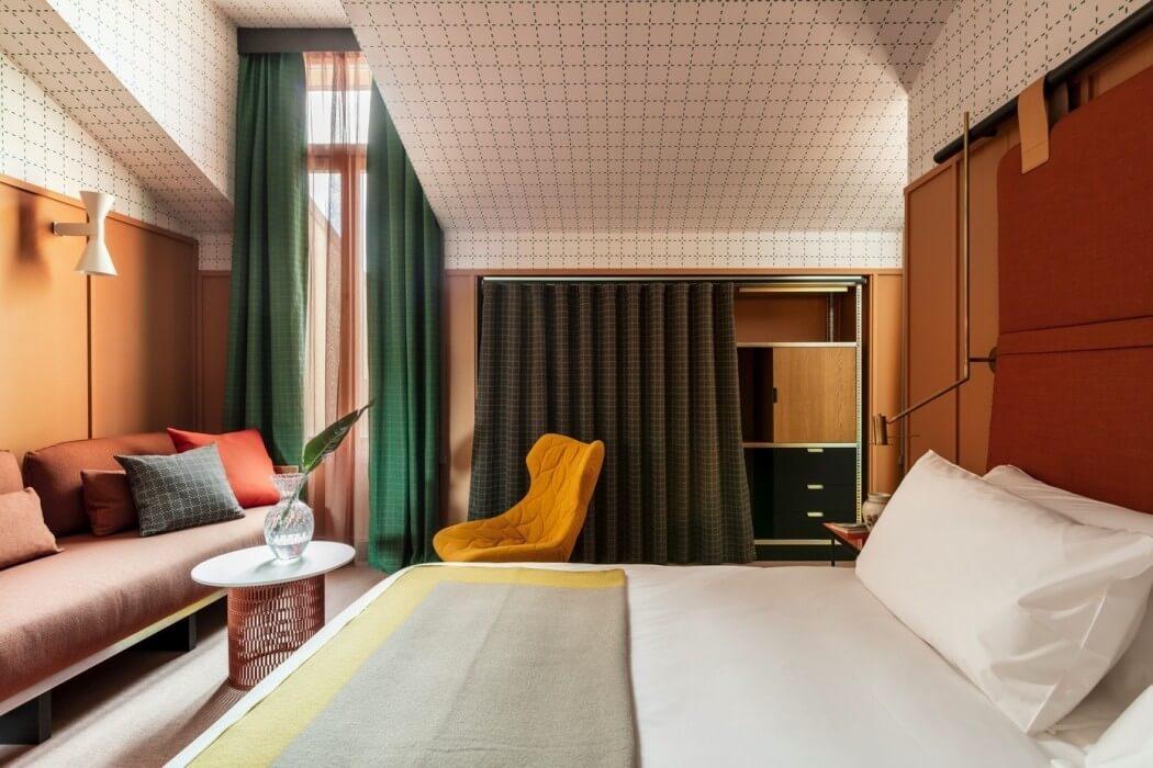 vintage-oranje-muren-slaapkamer