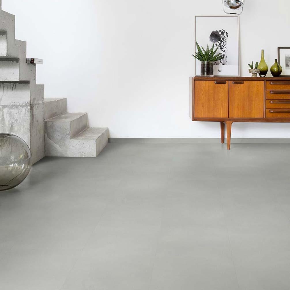 vinyl vloer betonlook quick step ambient lichtgrijs
