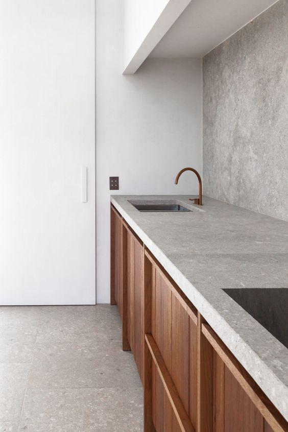 walnoot houten keuken marmeren werkblad