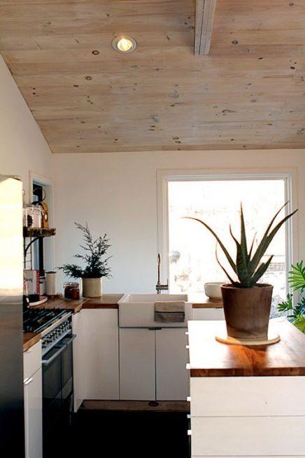 wit en hout in de keuken 10