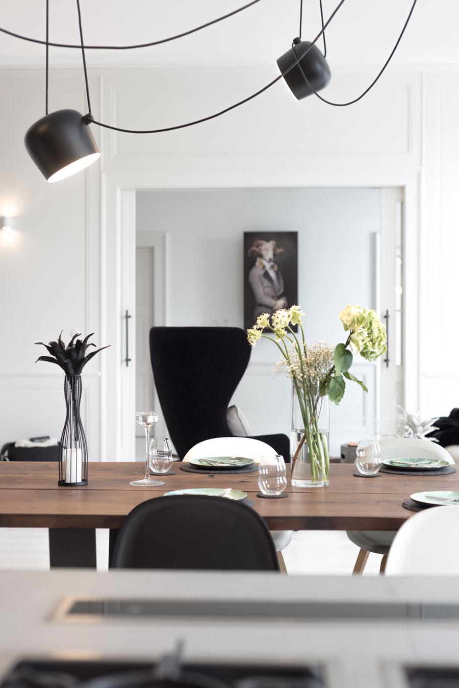 wit interieur eettafel