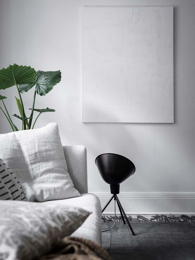 witte canvas aan de muur
