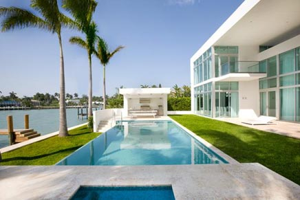 Witte droomhuis in Miami