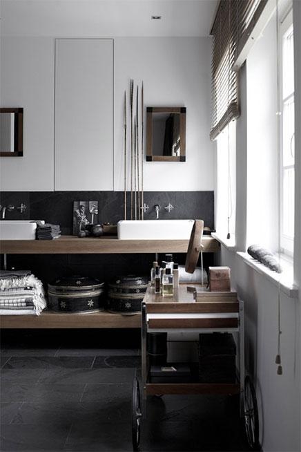 witte grijze en houten accenten in badkamer inrichting. Black Bedroom Furniture Sets. Home Design Ideas